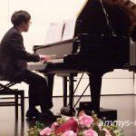 一音一音心を込めて、感謝の気持ちをピアノを通してお母さまに伝えます