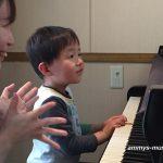 お子さんのピアノが楽しく上達するには先生の工夫が必要です