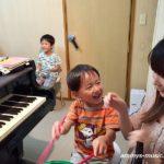 小さなお子さんのピアノレッスンは、まずは楽しむこと、興味を持つことから