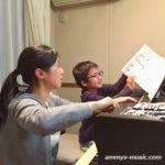 ドイツの音楽学校で教えていた清水先生は、生徒さんの感性を引き出すのが得意です