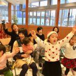 子どもたちの生き生きした表情と親御さんの優しい眼差し クロスポートのクリスマスコンサートは幸せな空気に満たされました