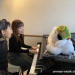 キッズボーカルは歌いながら自分の想いを相手にきちんと伝える力を育みます